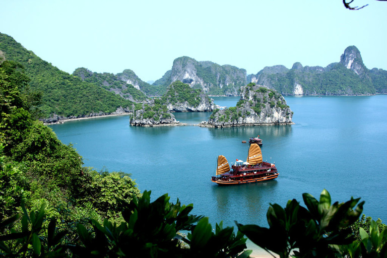 Halong, maravilla natural de Vietnam